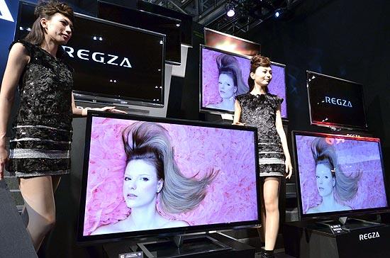 O televisor Toshiba Regza 55X3, com tela de 55', exibe imagens em 3D sem exigir o uso de óculos especiais